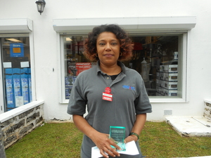 PRICERITE  EMPLOYEE OF THE QUARTER  Crystal Smith